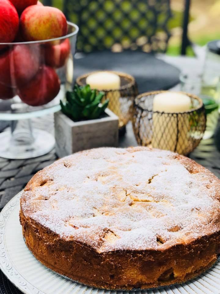 Aksominis obuolių pyragas