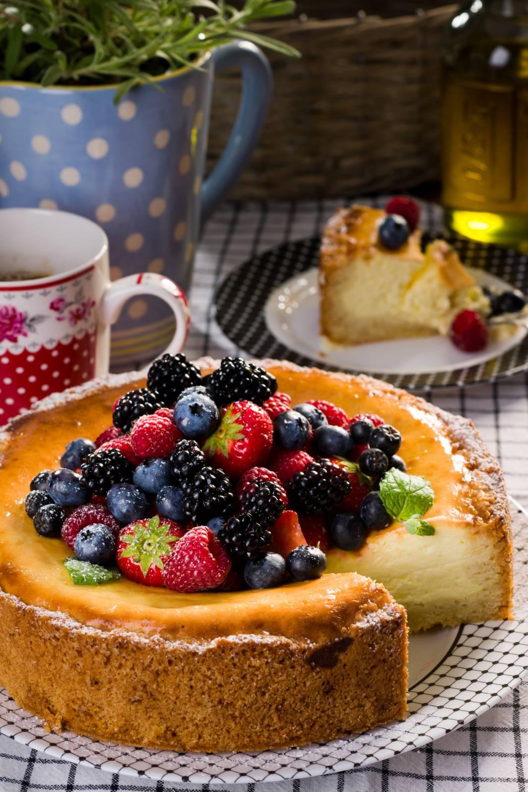 Varškės pyragas su avietėmis