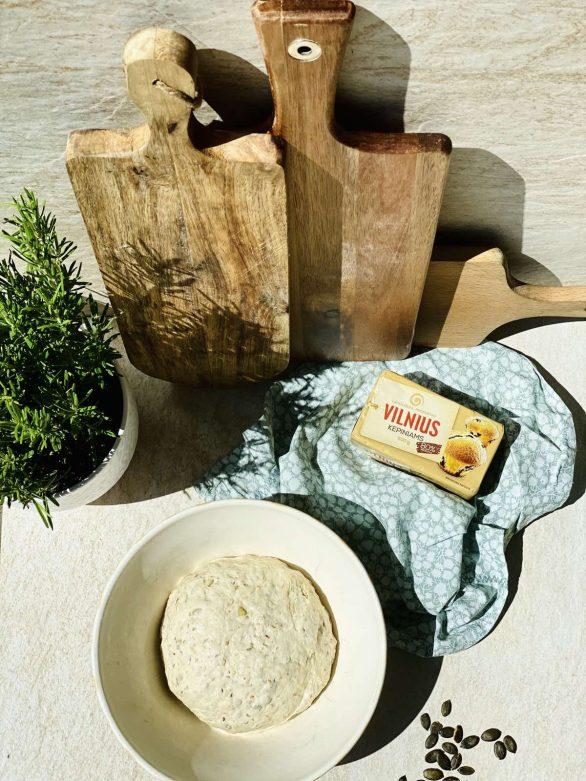 Avižinių dribsnių ir grūdų duonelės