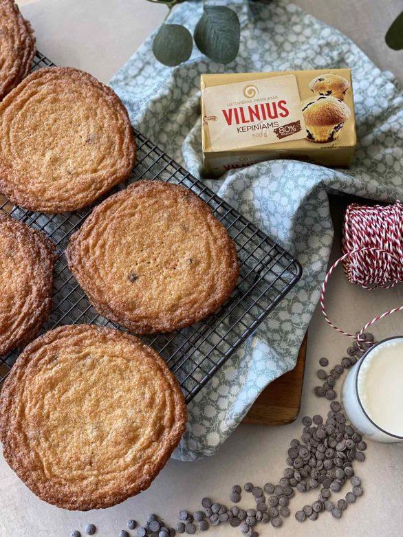 Amerikietiški sausainiai su šokolado gabaliukais